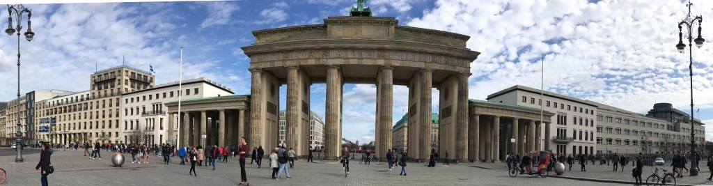 panorama-Brandenburg-Gate