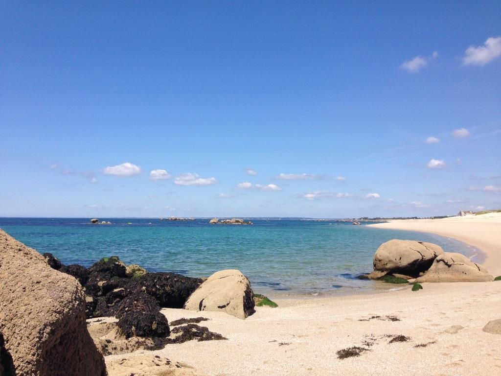 Trevignon Beach, with granit rocks