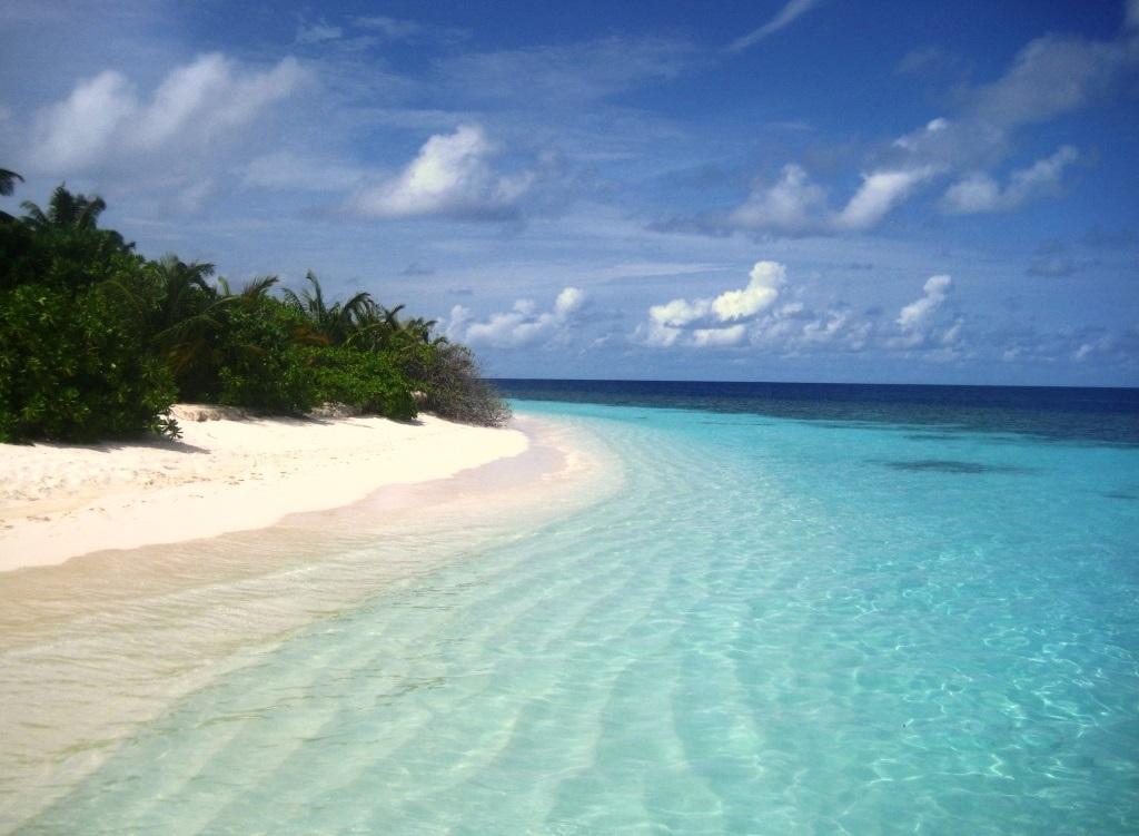Velidhu Island, eastern shore