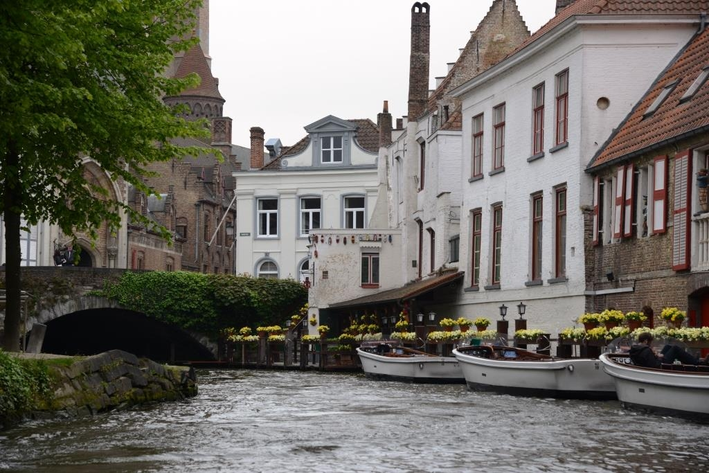 Bruges-Canal-picture-11