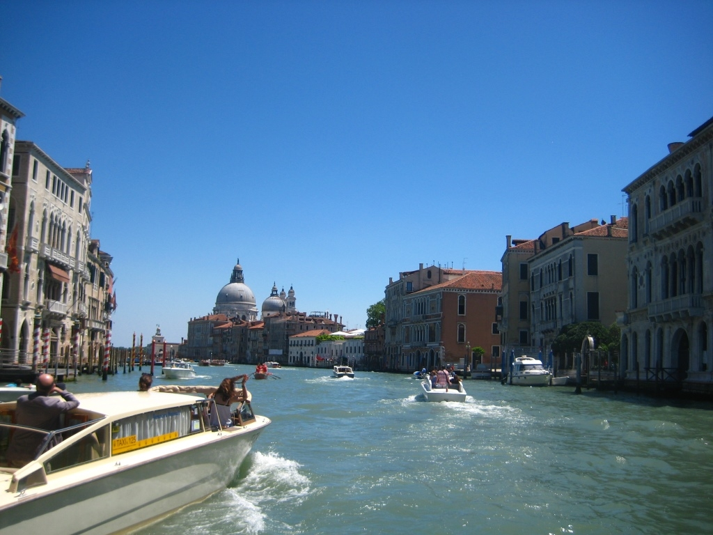 Venice-Grand-Canal-Salute-view