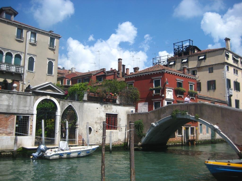 Venice-canal-2