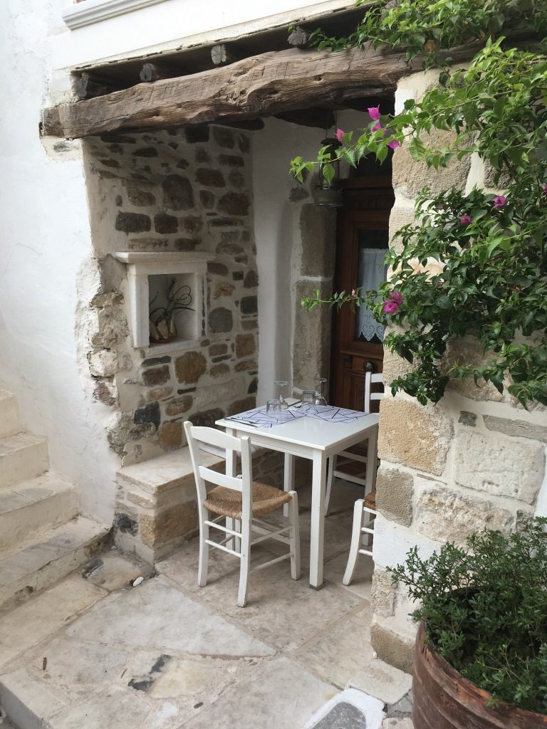small table on stairs, Restaurant Lithos