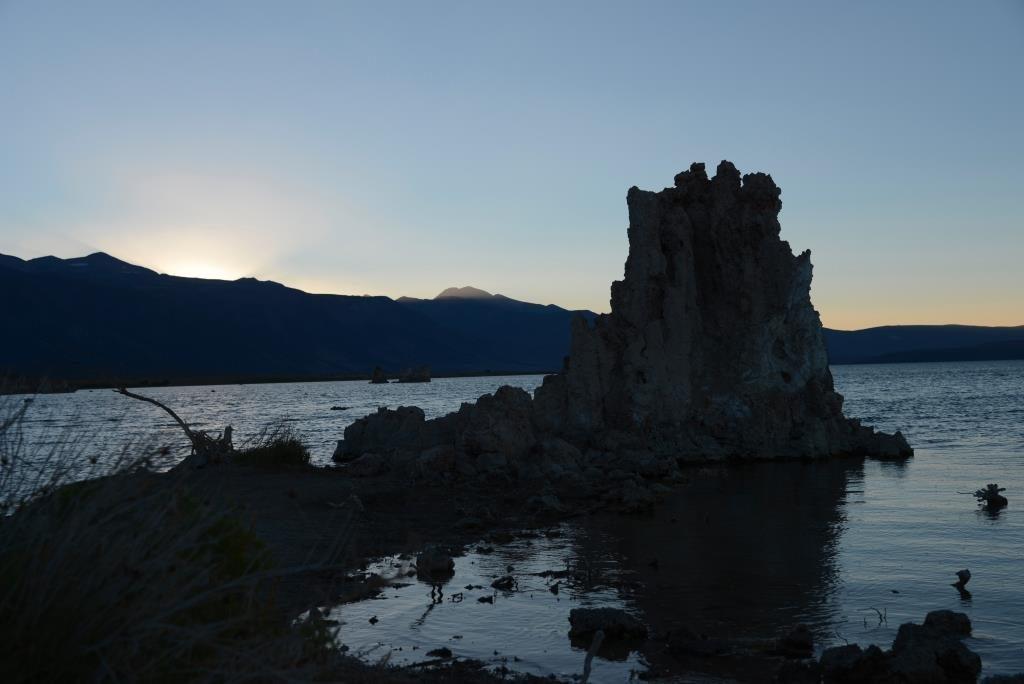 sunset and tufas at Mono Lake