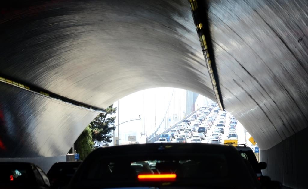 5 car lanes from the tunnel to the Oakland Bay Bridge