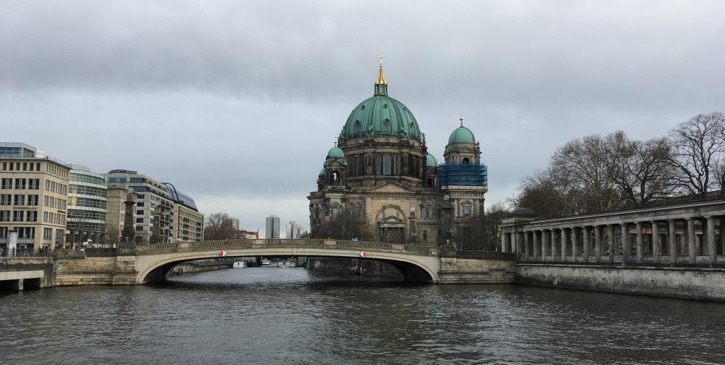 Berliner Dom and Vera-Brittain-Ufer