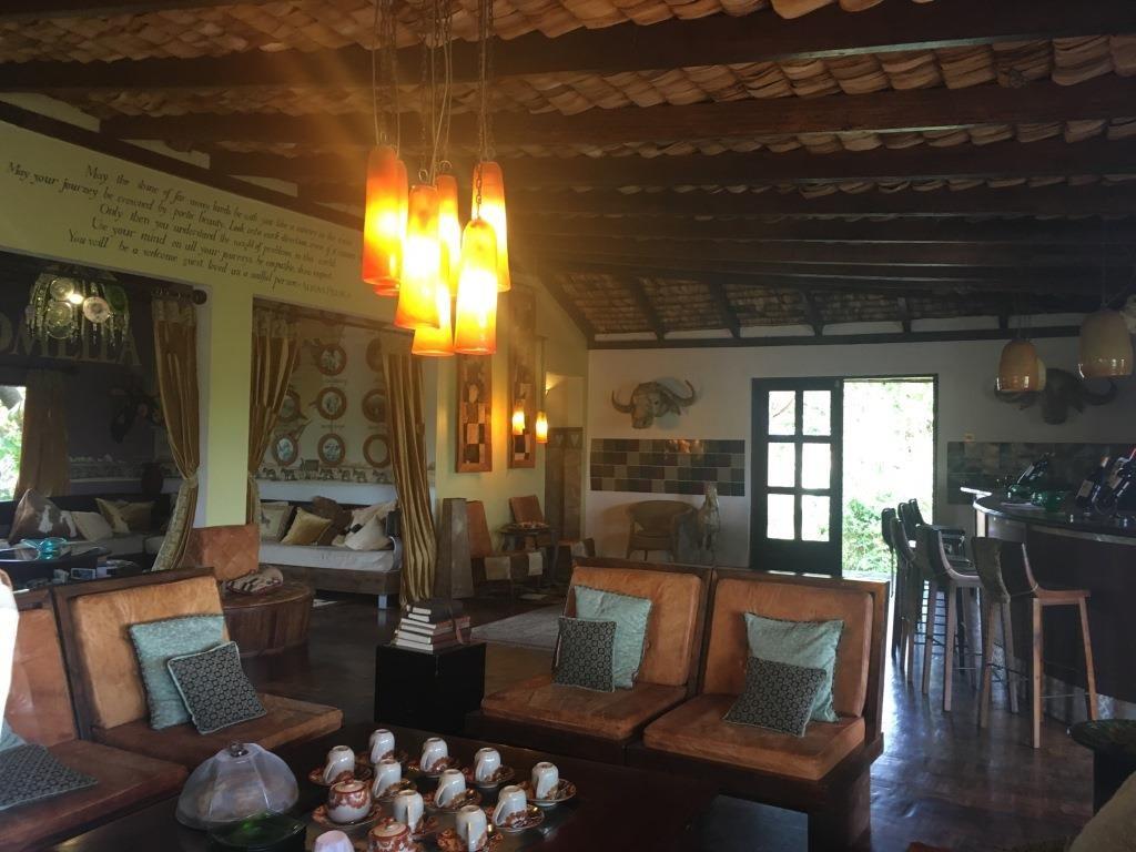 Hatari living room