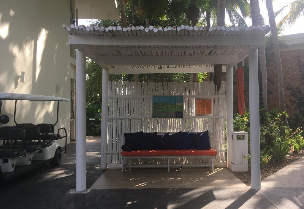 Melia Zanzibar, waiting for the beach express