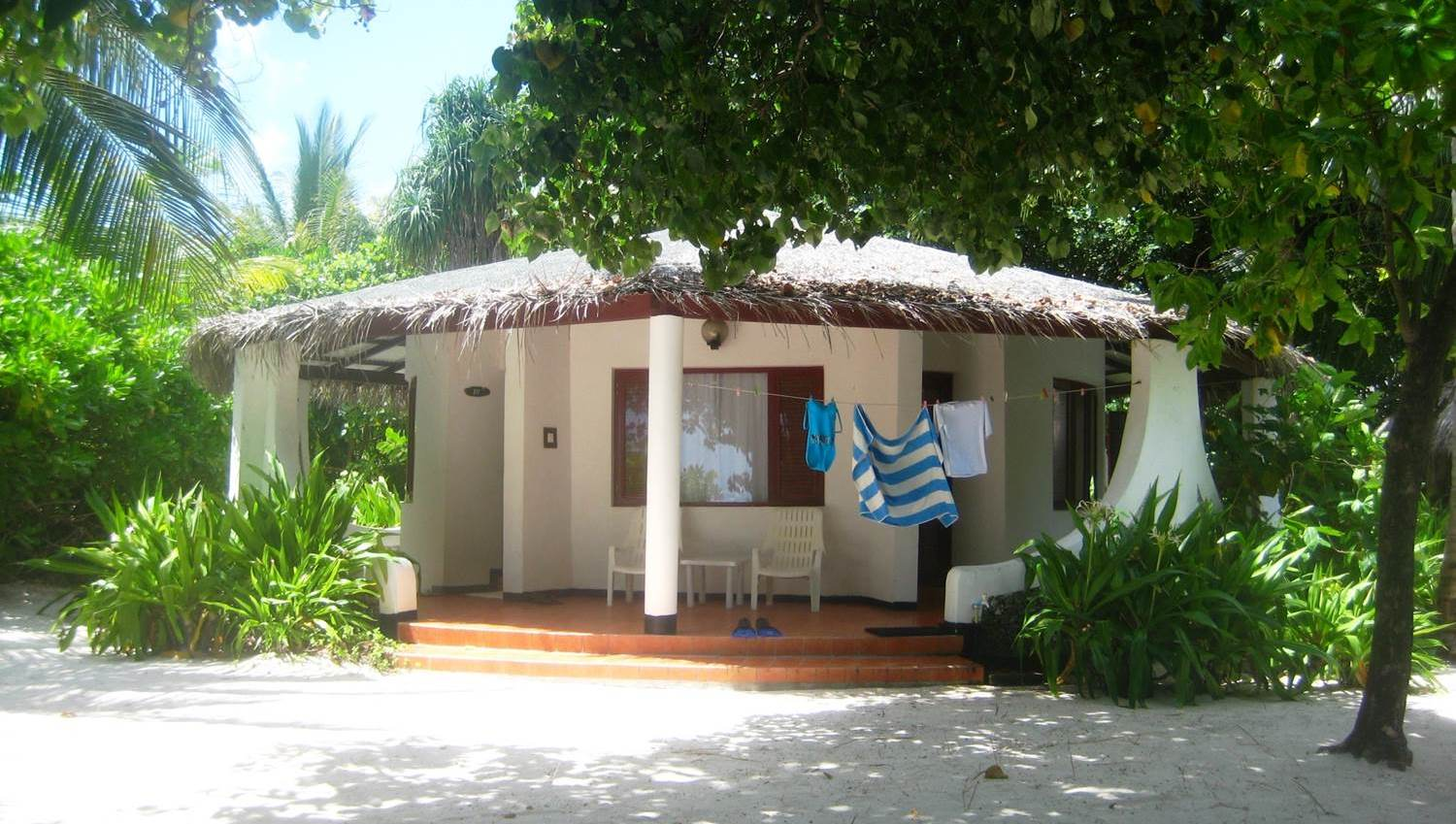 our Velidhu beach hut
