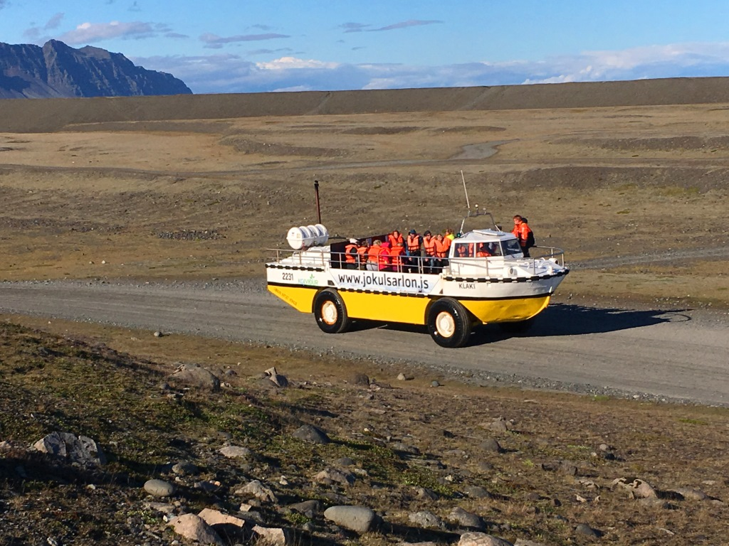 Amphibic car/boat of Jökulsarlon Lagoon tour