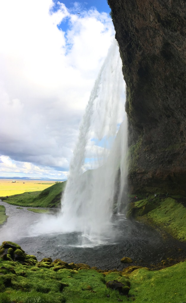 Seljalandsfoss, view from the right