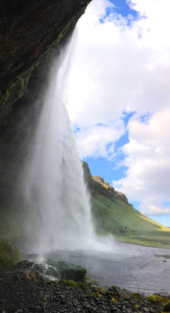 Seljalandsfoss, view from the left